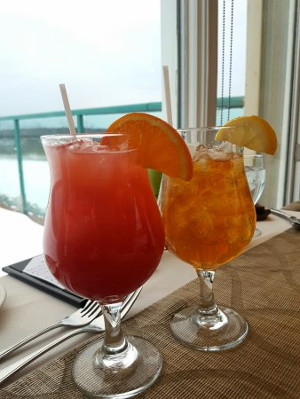 Western Shore, Kanada: Fancy drinks before dinner