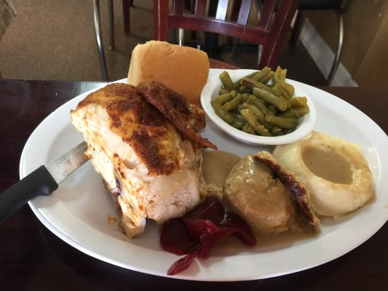 Snyder, TX: Roast chicken and dressing with green beans.