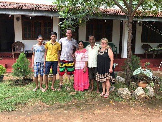 Inamaluwa, Sri Lanka: Host family and we