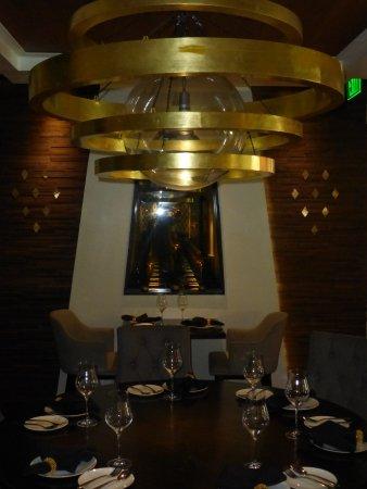 Noi Thai Cuisine: The grand table