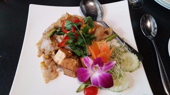 Noi Thai Cuisine: Black Noodles