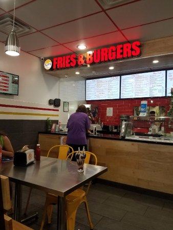 El Cajon, Californien: Small place but good food.