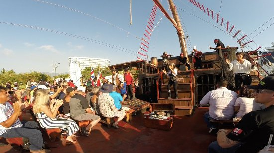 Pirate Ship Vallarta : Show pirata