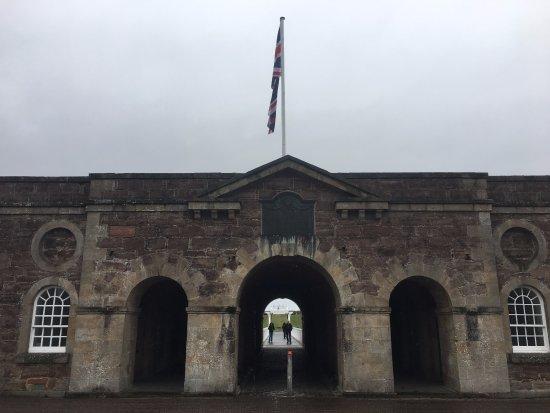 Fort George: Entrance