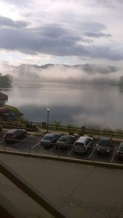 Lake Junaluska, NC: Lake view from our room.