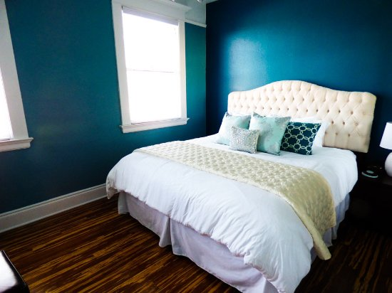 McMinnville, OR: Master bedroom