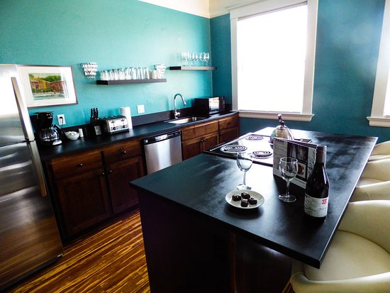 McMinnville, OR: Kitchen