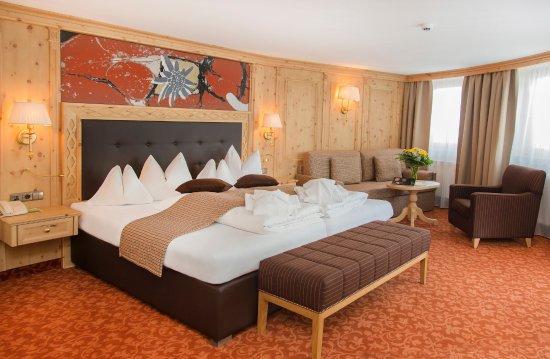 Hochsolden, Austria: Doppelzimmer/ Familienzimmer Grießkogel
