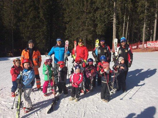 Malga Ciapela, Italy: Scuola Sci & Snowboard Marmolada