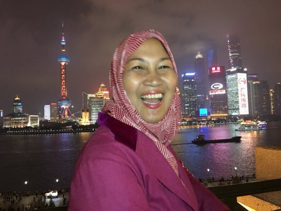 It has the best location overlooking the Bund & across to Pudong from the 7th floor terrace. It'