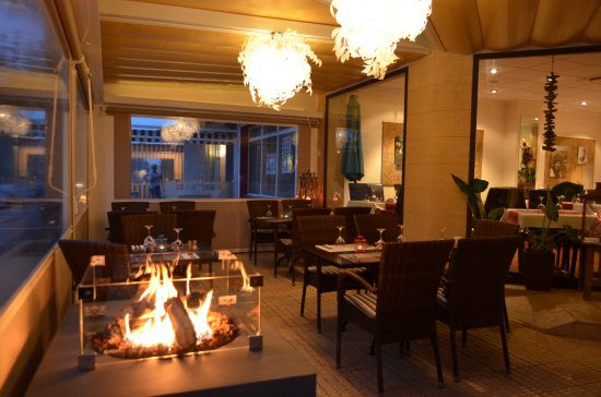 Brasserie Leonardo: Nueva terrasa cubierta con chiminea