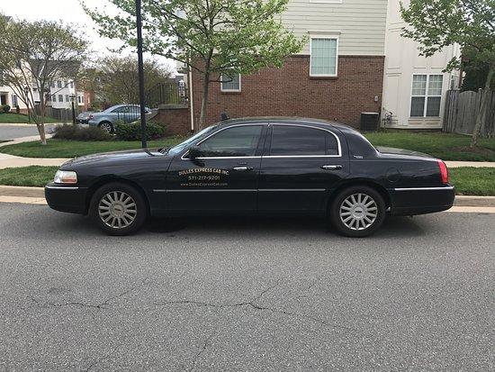 Leesburg, VA: Dulles Express Cab