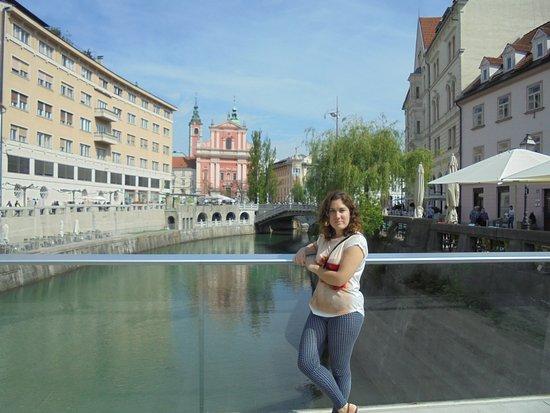 Triple Bridge (Tromostovje): En uno de los puentes de Liubliana