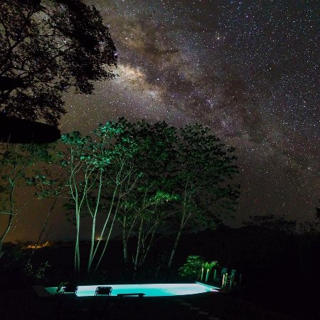 Cabuya, Costa Rica: The stars by the pool are incredible!