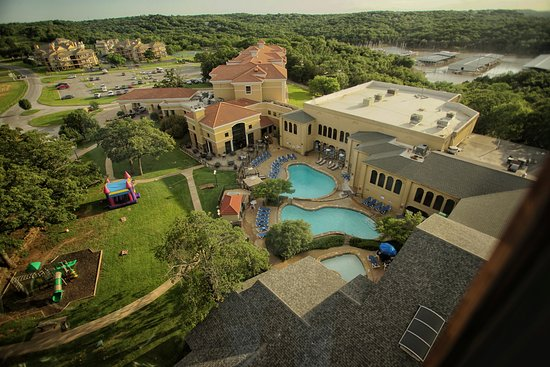 Pottsboro, TX: Tanglewood Resort from the tower bar.