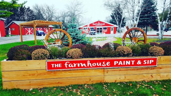 ‪The Farmhouse Paint and Sip Bar and Cafe‬