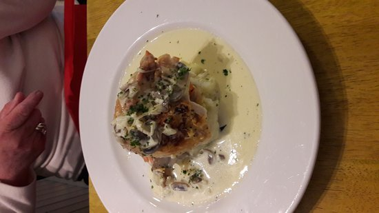 Edinbane, UK: Super tasty mains and puds!