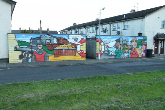 Carrickfergus, UK: Mural.