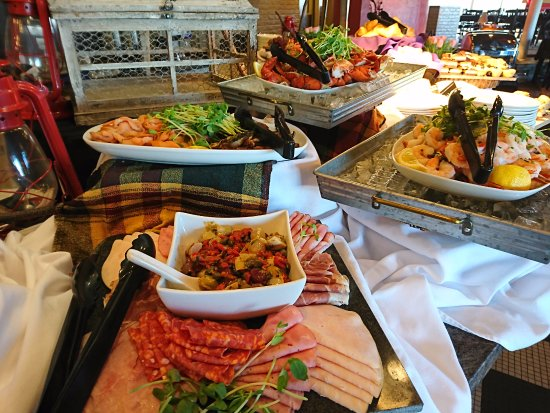 Orillia, Canadá: Some of our delicious selection from Sunday Brunch