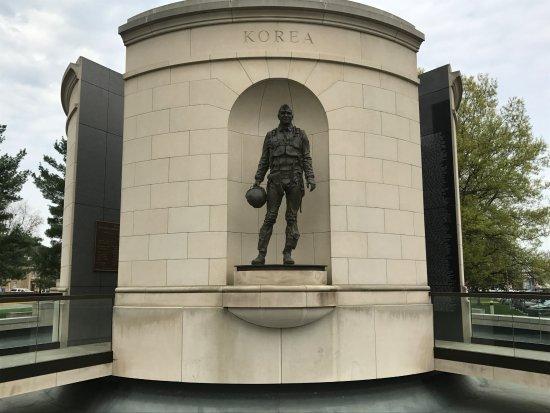 ชาร์ลสตัน, เวสต์เวอร์จิเนีย: Statue for Korean War