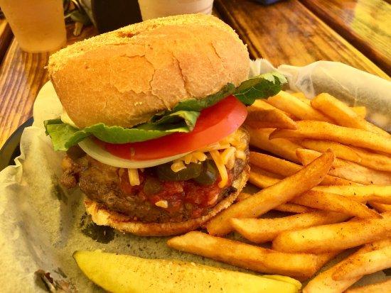 Micco, FL: Rough Seas Burger (yum)