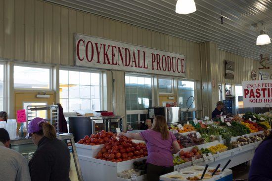 Davison, MI: Large produce selection