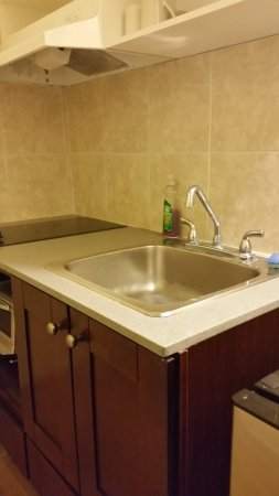Yorkton, Canada: Kitchenette Sink