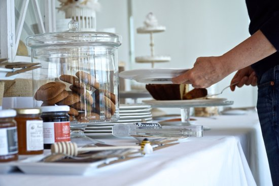 Alvito, Italia: Buffet colazione con dolci e marmellate fatte in casa