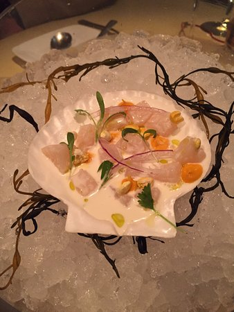 The Bazaar by Jose Andres: Fresh dry scallop conch