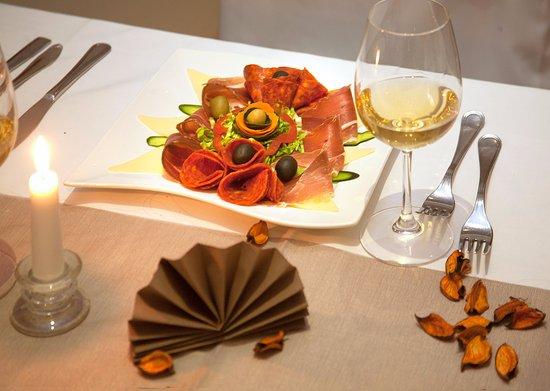 Hotel Calypso: Food- Restaurant