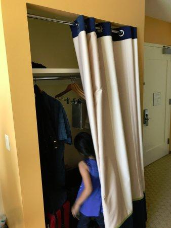 Aliso Viejo, CA: Closet???