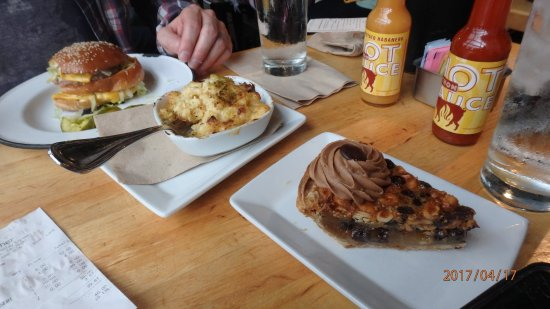 Cochon Butcher: The Le Pig, mac n cheese with jalapeno, good Chocolate chip,peanutbutter,caramel pie.