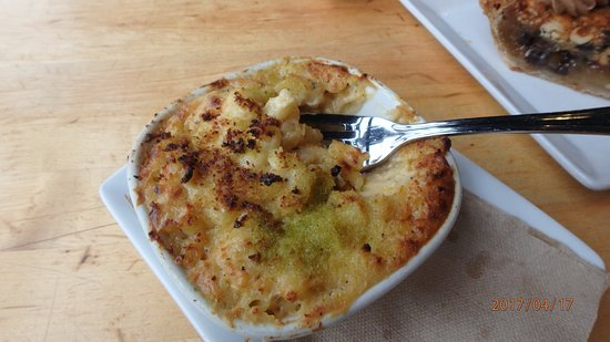 Cochon Butcher: Mac n cheese with light jalapeno seasoning