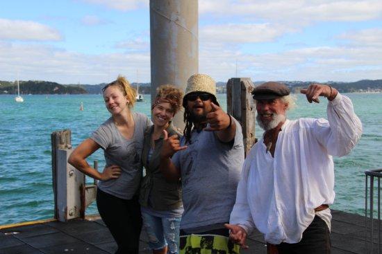 Paihia, نيوزيلندا: What a fun crew!!