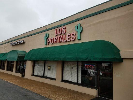 Dyersburg, TN: Los Portales
