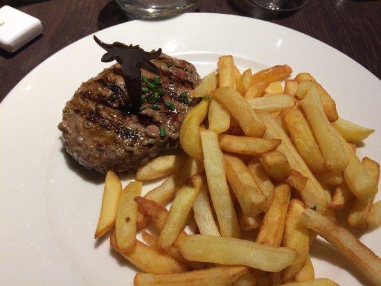 Ussac, فرنسا: Buone carni