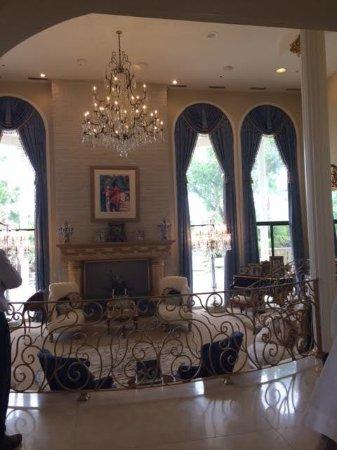 Wayne Newton S Casa De Shenandoah Sunken Living Room The Railing Is New And Had