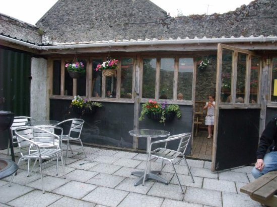 Fethard, Ireland: The Castle Beer Garden