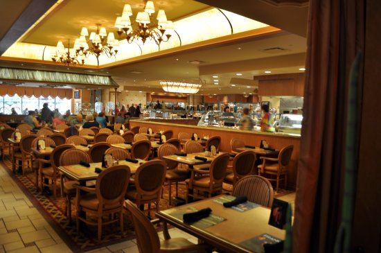Golden Nugget Buffet : salle restaurant