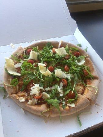 Prevessin Moens, France: Street pizza