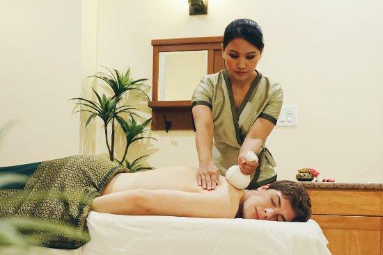Port Coquitlam, Canada: Sabai Thai Spa // Hot Herbal Massage