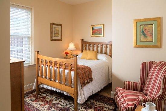 Woodley Park Guest House: Room 114