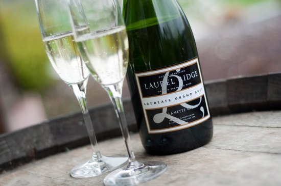 Carlton, OR: Laurel Ridge Brut