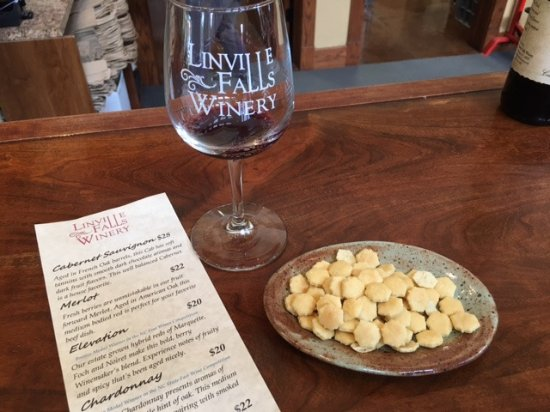 Newland, Carolina del Norte: Glass that comes with tasting and tasting list for the day