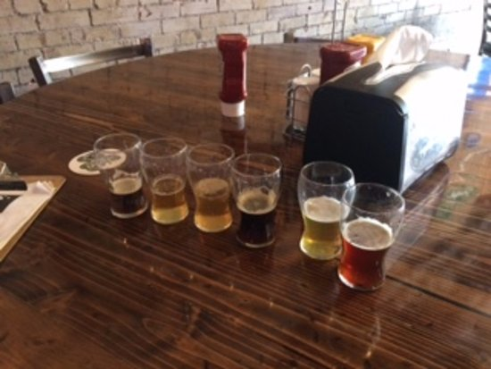 Collinsville, IL: Beer flight - tasters!