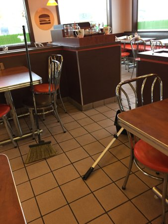 Fort Frances, Canada: A&W are generally a well run clean franchise. Well not this one. Horribly dirty and slow. McDona