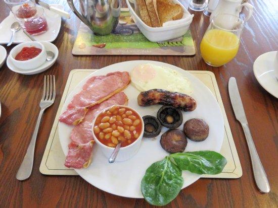 Llangattock, UK: Fabulous Cooked Breakfast - Ty Croeso B&B - Wales (20/Apr/17).
