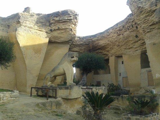 Osuna, إسبانيا: Exterior