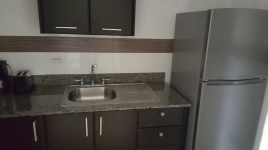 Sevilla Suites Apart-Hotel: Hotel and room with full kitchen