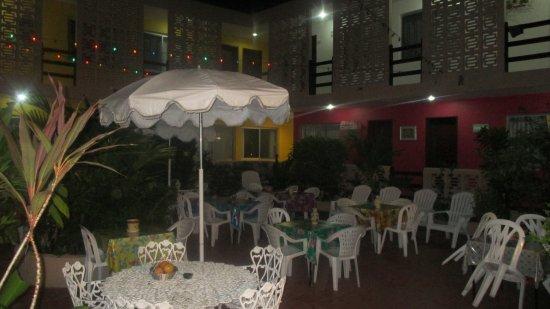 Hotel Mary Carmen: Patio du petit dejeuner